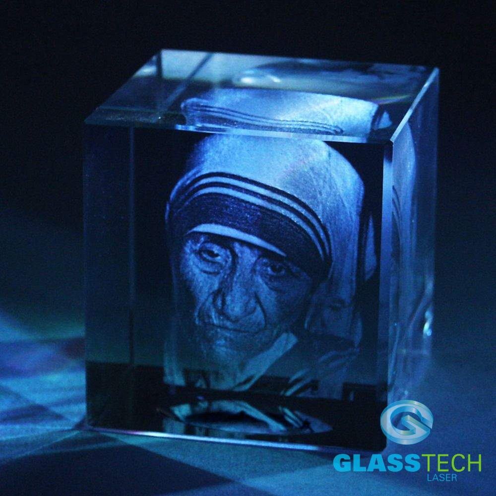 Portrait of Mother Tereza in cube