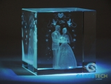 3D wedding in glass cube 60 mm