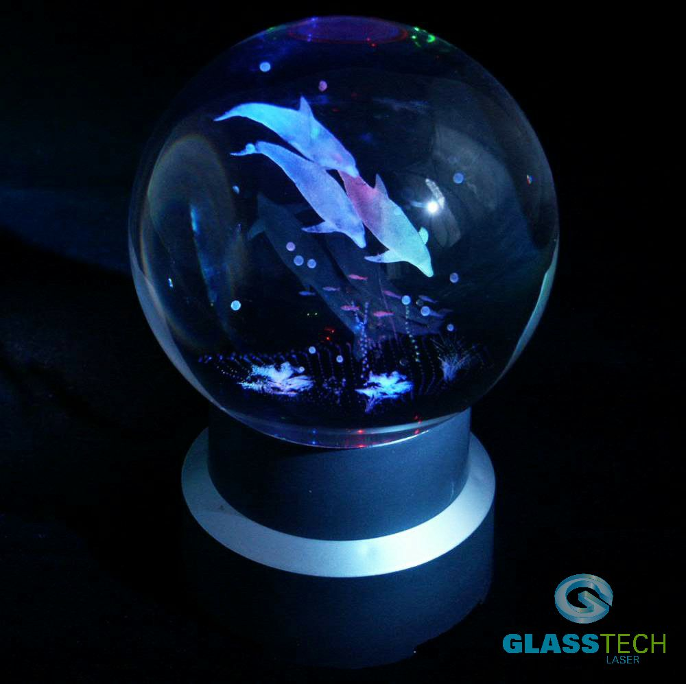 3D Dolphins in glass ball 80 mm