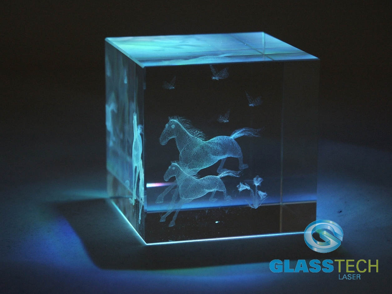 Laser Engraved 3d Horse In Glass Cube