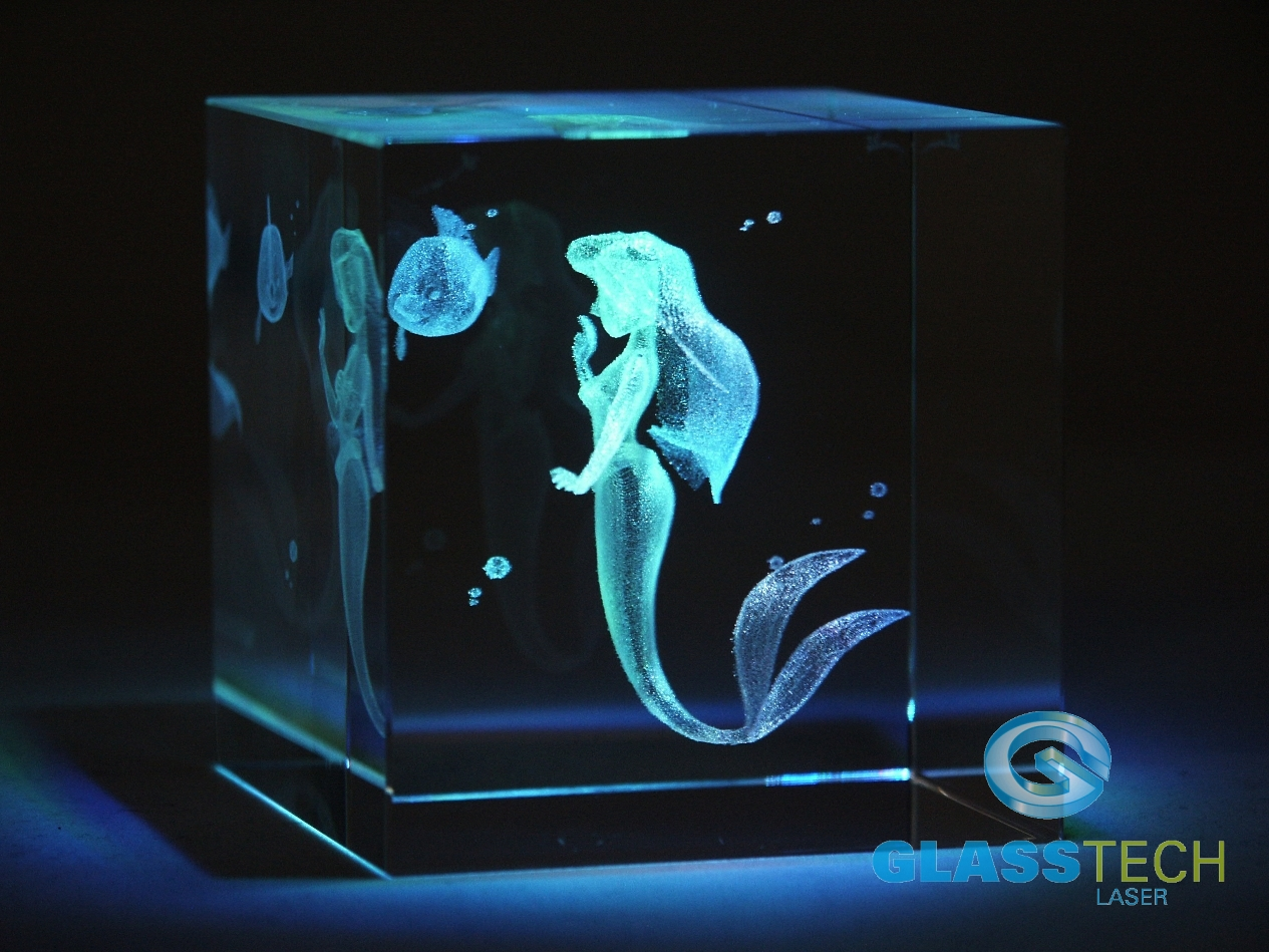 3D mermaid in glass cube 60 mm