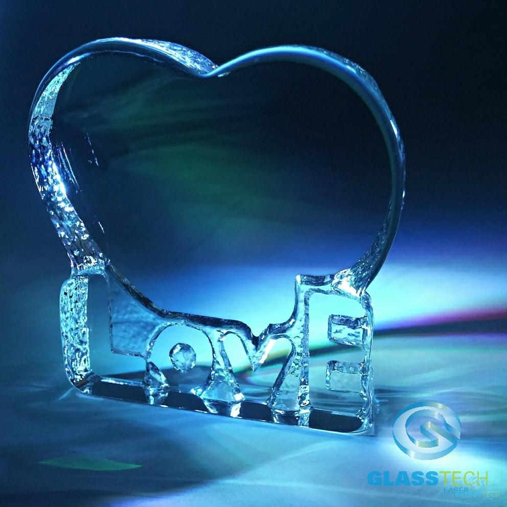 iceberg heart with stand 135 x 140 x 26 mm