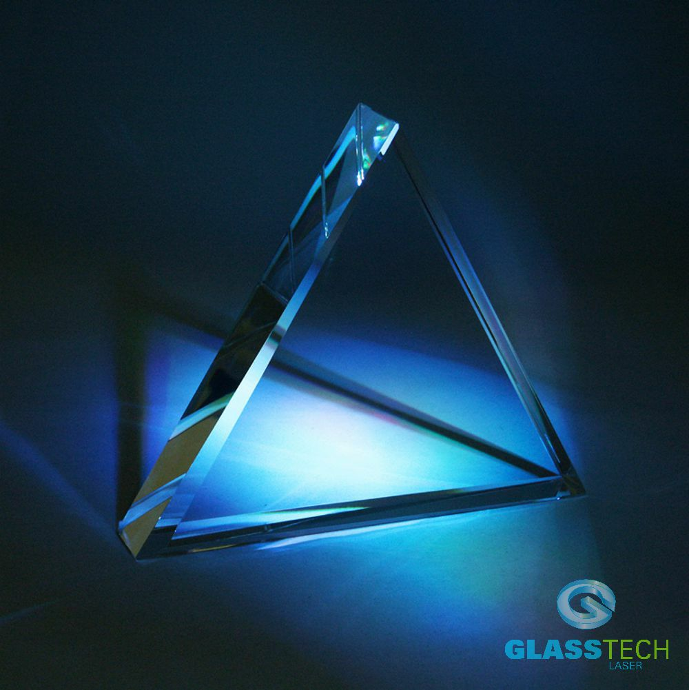 Plaque-triangle 200x130x40 mm with facets
