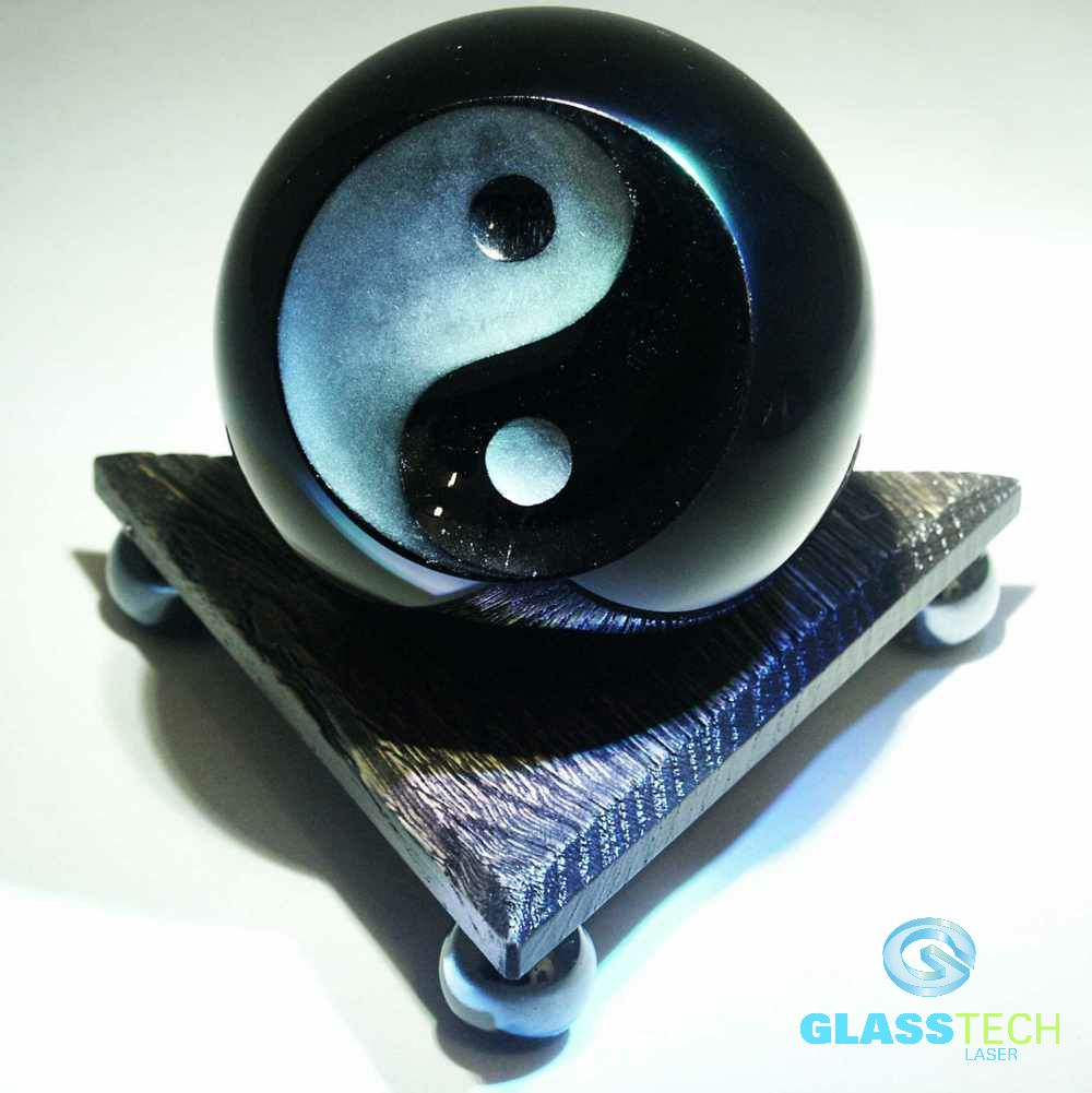 Black ball Jin-Jang,100 mm with triangular stand