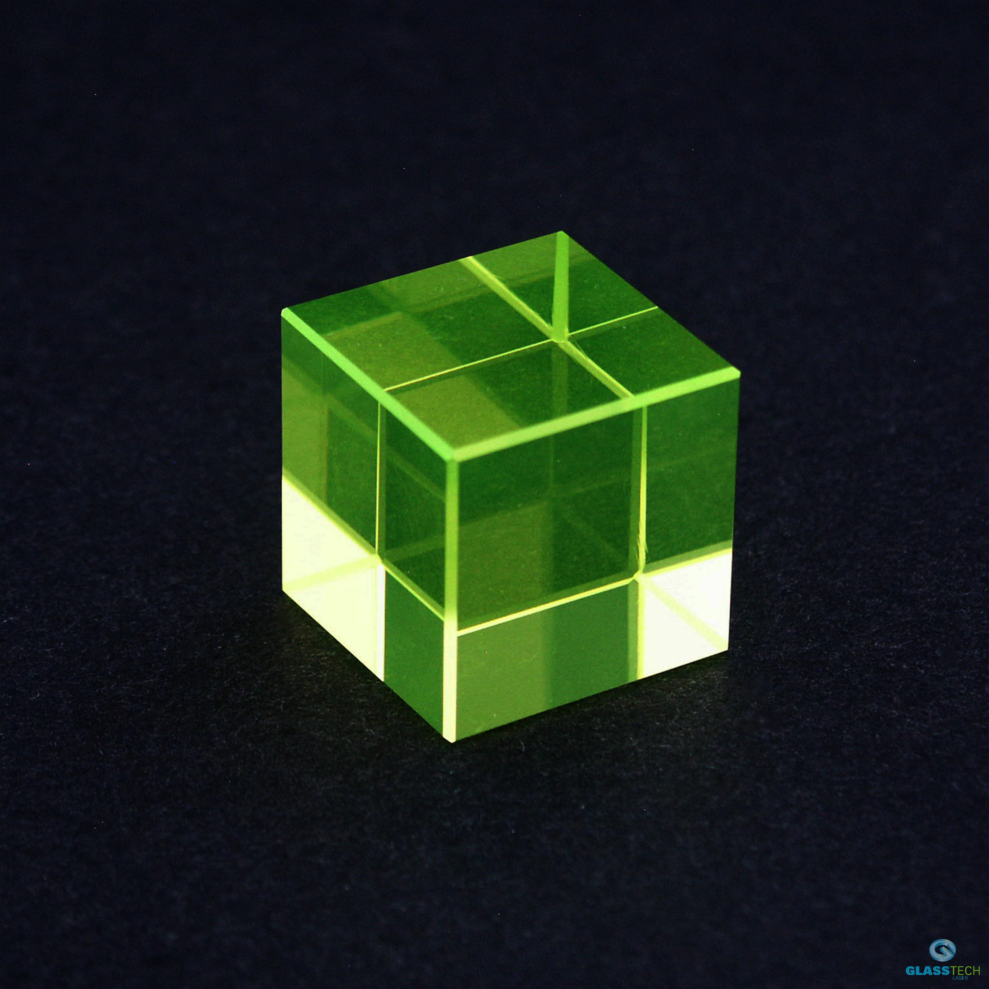 uranium cube polished - 25x25x25 mm