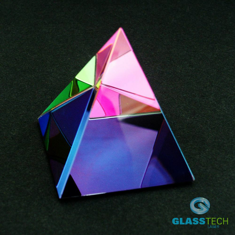 Rainbow effect pyramid 40 mm