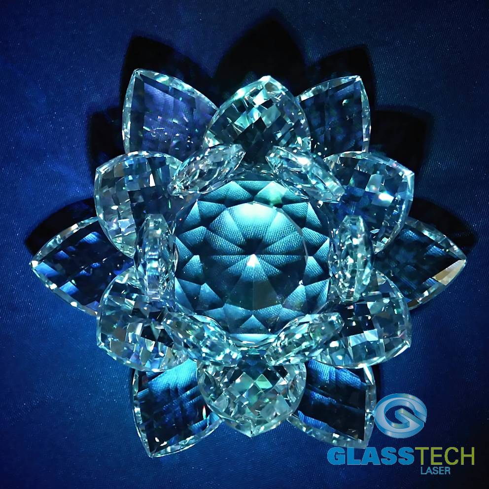 Feng-shui crystal lotus middle 100 mm